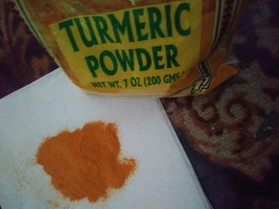 Turmeric medicinal herb, a well used culinary herb and it is effective in treating inflammation and cancer.